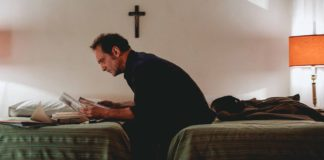 vincent lindon joue reporter dans le film lapparition de xavier giannoli