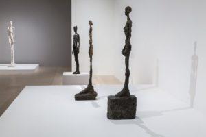 les sculptures de giacometti exposées au musée maillol à paris