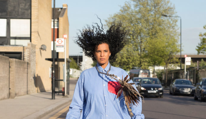 neneh cherry sort l'album broken politics et sera au trianon le 28 fevrier