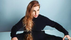 barbara carlotti portrait pour l'album magnetique