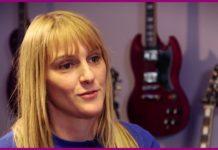 la chanteuse blondino