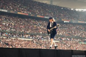 angus young ac/dc live